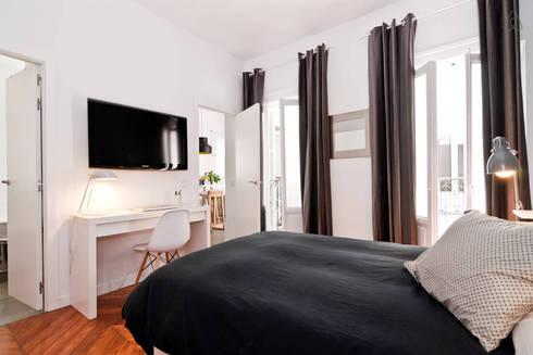 MADRID APARTMENT 3  :  de estilo  de Cuarto Interior