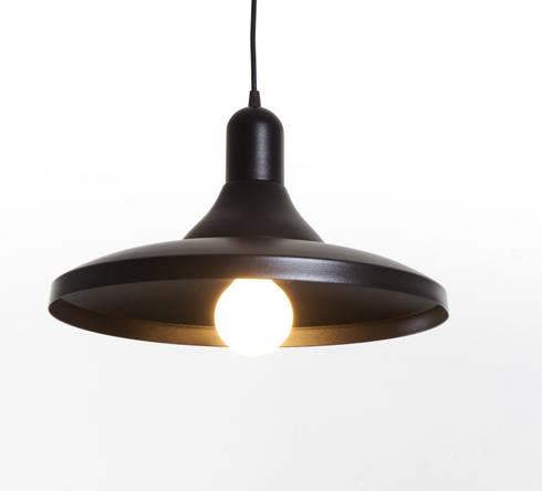 Skyline Lamp: Comedor de estilo  por Natural Urbano