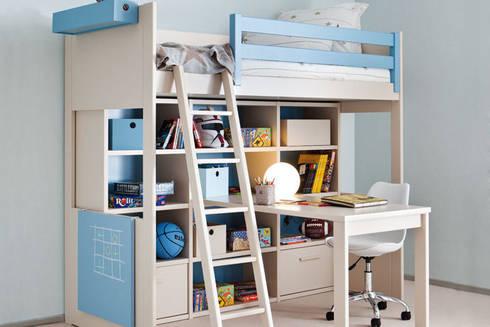 Mobiliario juvenil de sof s camas cruces homify - Litera con escritorio debajo ...