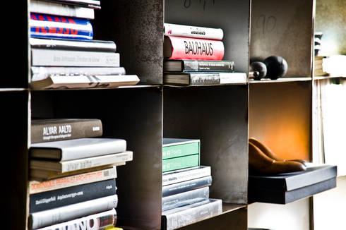 RACK 27: Salones de estilo industrial de BONBA studio