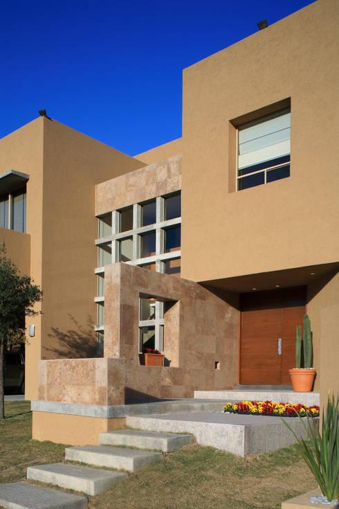 Projekty,  Domy zaprojektowane przez Arq. Bernardo Hinojosa