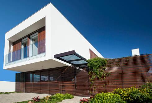 Residência das Algas: Casa  por MarchettiBonetti+