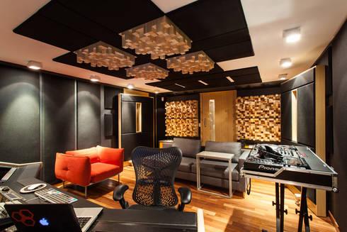 Dado Prisco Studios: Espaços comerciais  por MarchettiBonetti+