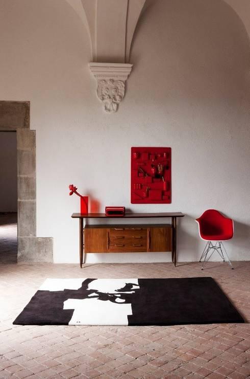 Alfombra Collage Chillida: Paredes y suelos de estilo  de Paco Escrivá Muebles