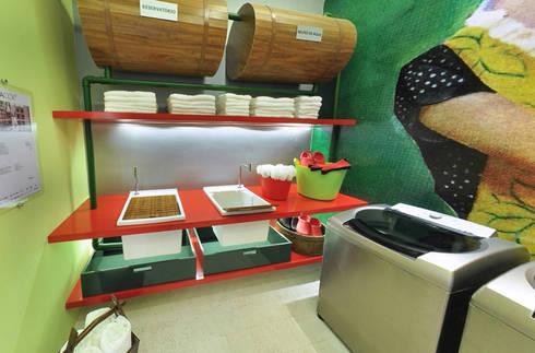 Lavandeira – Casa Cor: Cozinhas modernas por Rozânia Nicolau Arquitetura & Design de Interiores
