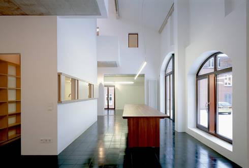 stallscheune bauen im denkmalgesch tzten bestand von steinhilberplus homify. Black Bedroom Furniture Sets. Home Design Ideas