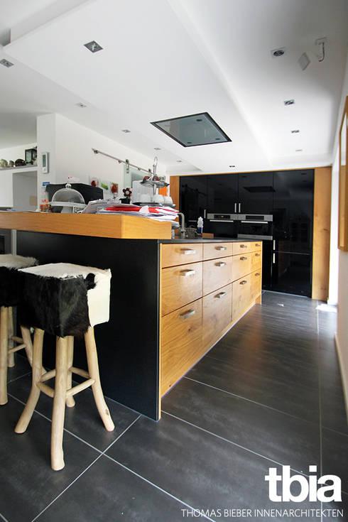Küche: moderne Küche von tbia - Thomas Bieber InnenArchitekten
