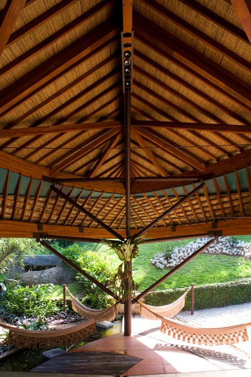 Terrazas de estilo  por Mareines+Patalano Arquitetura