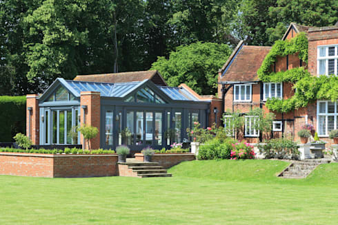 Large Kitchen Conservatory: modern Conservatory by Vale Garden Houses
