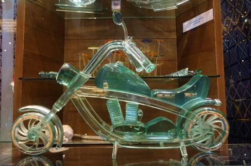 zak exhitition :  Artwork by atlantic designer glass