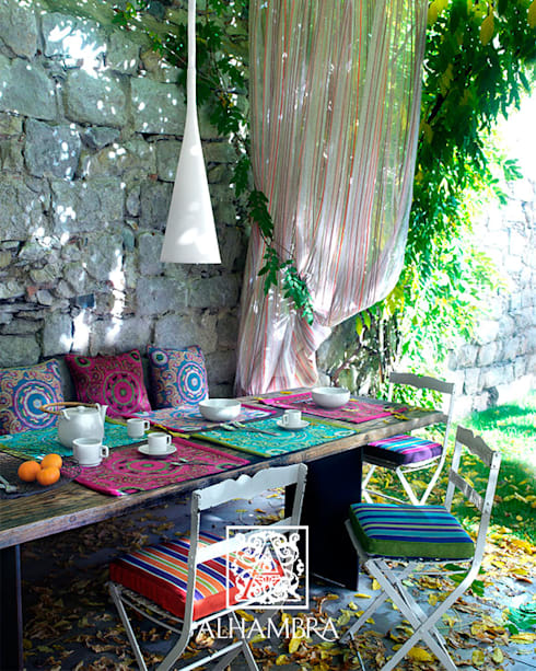 DECORACIÓN TEXTIL: Hogar de estilo  de Muebles Flores Torreblanca