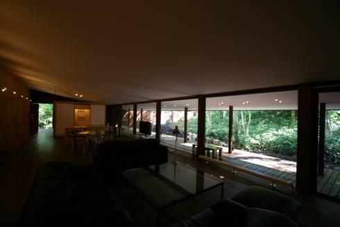 BOZ: A.H. Architectsが手掛けたです。