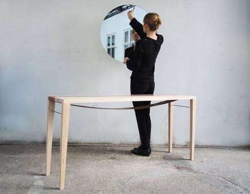 Sunrise Table: modern Bedroom by EK Design
