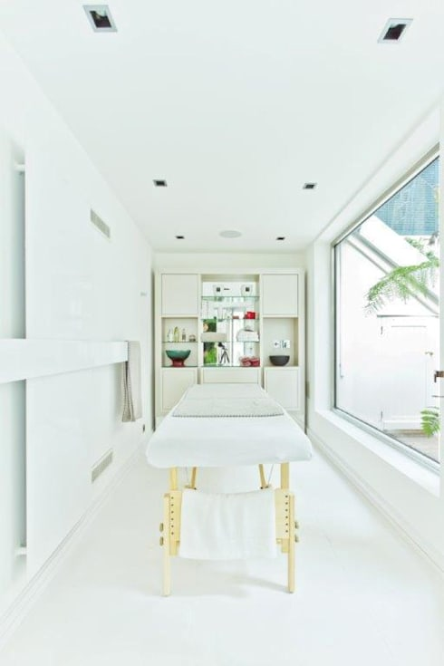 Stephanie Coutas's projects: modern Spa by Stephanie Coutas
