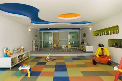 Skyview Polanco: Recámaras infantiles de estilo  por ARCO Arquitectura Contemporánea