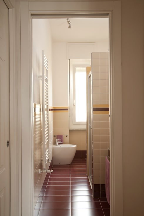 _Mondrian Home_: Bagno in stile  di Alessandro Multari Ingegnere - I AM puro ingegno italiano