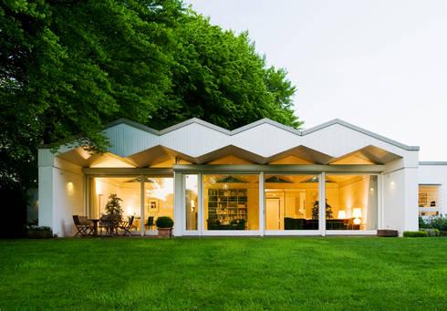 bungalows de architektur homify. Black Bedroom Furniture Sets. Home Design Ideas