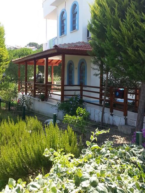 EDMİMARLIK INTERIOR STUDIO – Ayvalık Şirinkent Villa: akdeniz tarzı tarz Evler