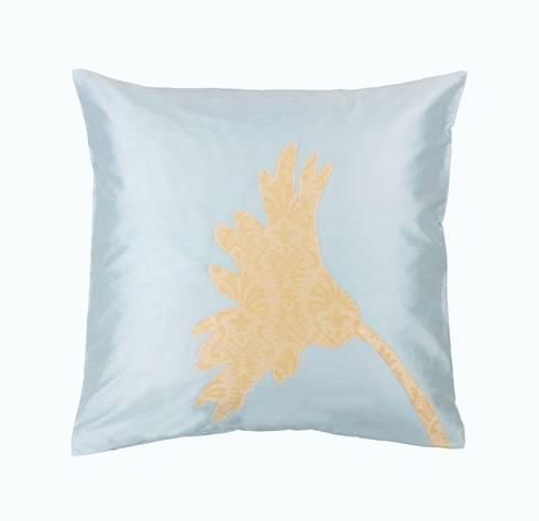 Gerbera Handmade Silk Cushion: tropical Living room by Le Cocon