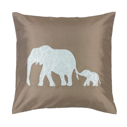 Elephant Duo Handmade Silk Cushion: asian Living room by Le Cocon