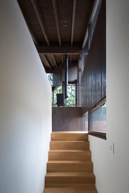 Corridor & hallway by 設計組織DNA