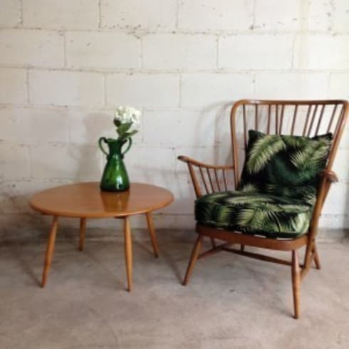 Vintage Ercol Chair in Palm Print: tropical Living room by Sketch Interiors