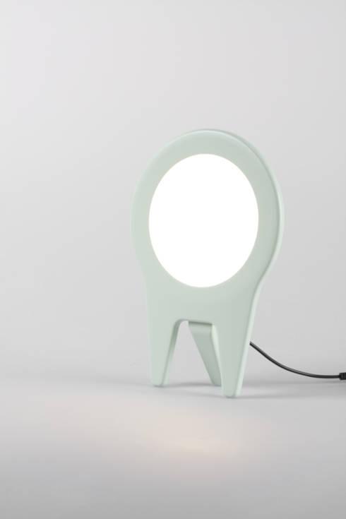 mio. light:  Wohnzimmer von Frederic Julian Rätsch - Industrial Design