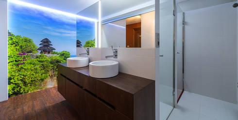 Baño en Arrazola..: Baños de estilo moderno de Estudio TYL