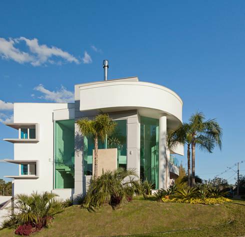 Casa curva por biazus arquitetura e design homify for Modernizar fachada casa