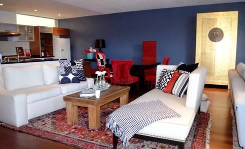 Sala y Comedor Loft: Salas de estilo ecléctico por Sandra Molina