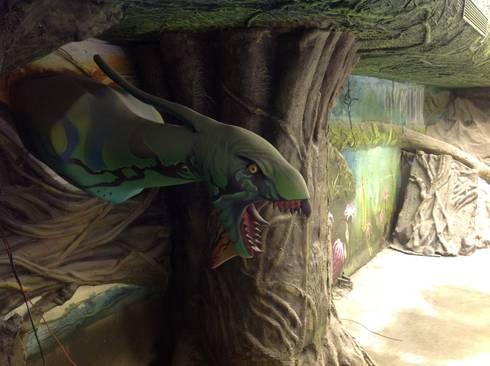 FRP Turnkey theme restaurant:  Interior landscaping by G Diseno