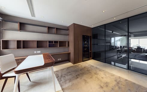 LP's RESIDENCE : minimalistic Living room by arctitudesign