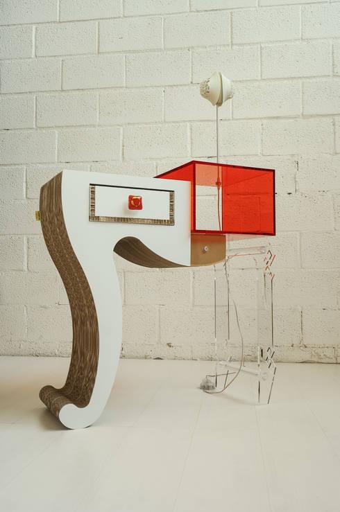 Futura: Ingresso, Corridoio & Scale in stile  di LAB 145