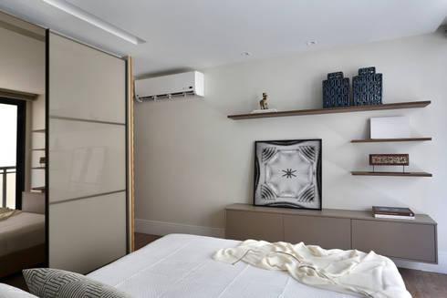 Projeto de decoração de quarto de casal: Quartos  por Leila Dionizios Arquitetura e Luminotécnica