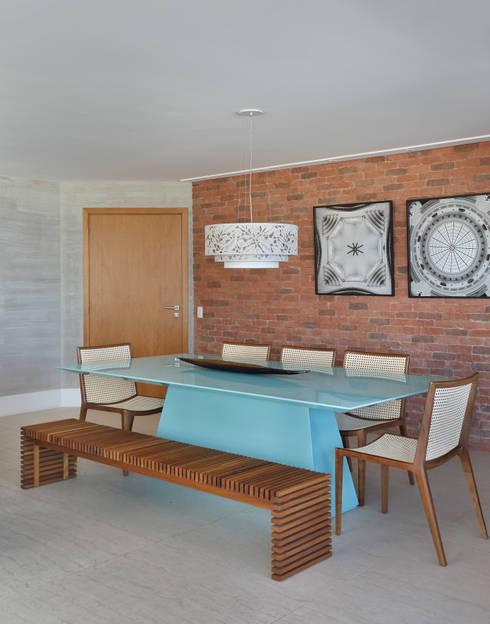 Dining room by Leila Dionizios Arquitetura e Luminotécnica