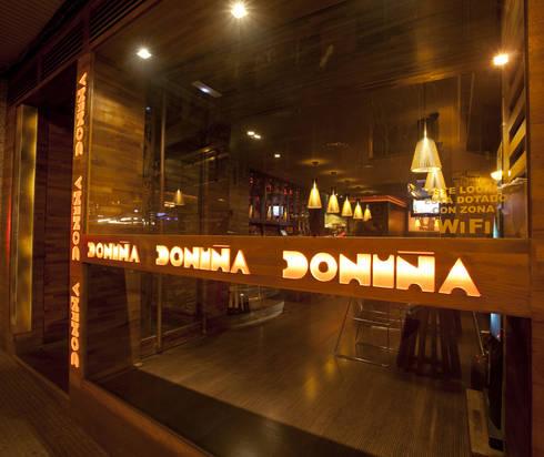 CAFETERÍA DONIÑA: Locales gastronómicos de estilo  de XaviCN