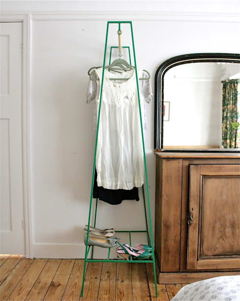 'A' Clothes Rail: minimalistic Bedroom by &New