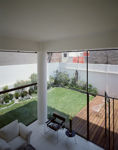 13 de Septiembre: Casas de estilo  por JSa Arquitectura