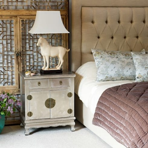 Silver Leaf Bedside Cabinet: asian Living room by Orchid
