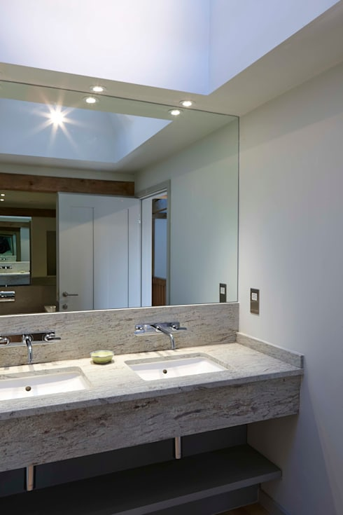 Stable Cottage: country Bathroom by Adam Coupe Photography Limited