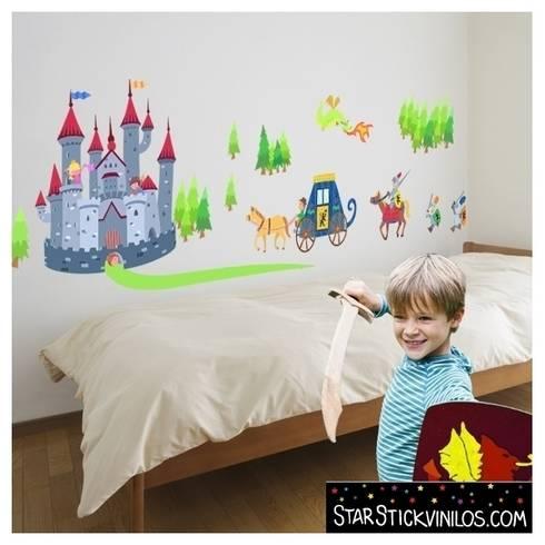 Vinilo infantil castillo: Habitaciones infantiles de estilo  de StarStick