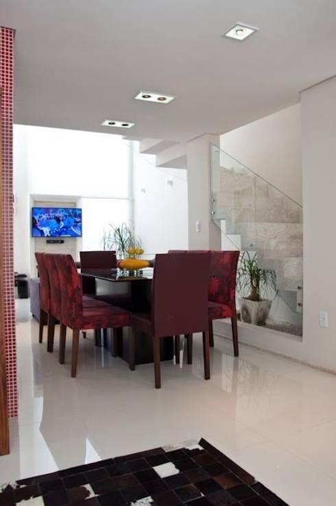 Casa Loft: Casa  por Biazus Arquitetura e Design