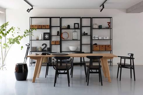 Swan eettafel voor Spoinq (NL): industriële Eetkamer door Marc Th. van der Voorn