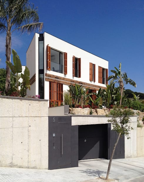 Houses by 08023 Architects