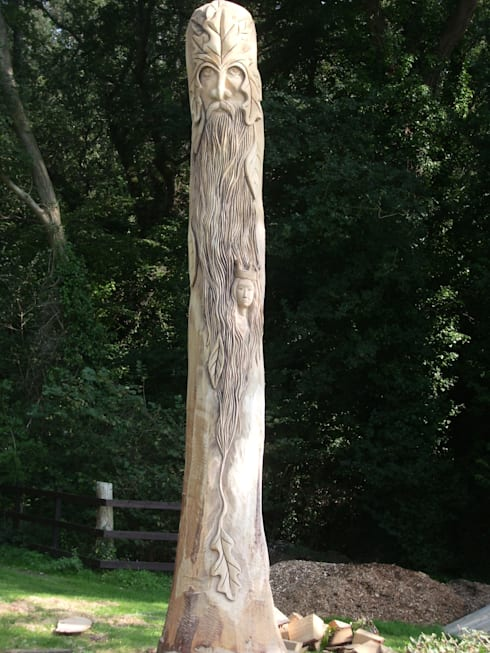 Queen Eleanors Tree:  Garden  by The Carved Tree