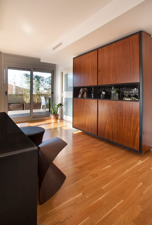 Duplex en Barcelona: Salones de estilo  de The Pont design