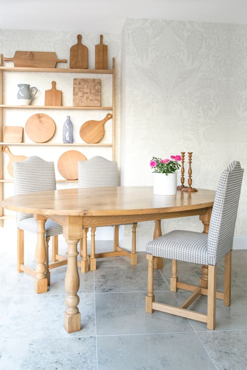 Dining room by Titchmarsh & Goodwin