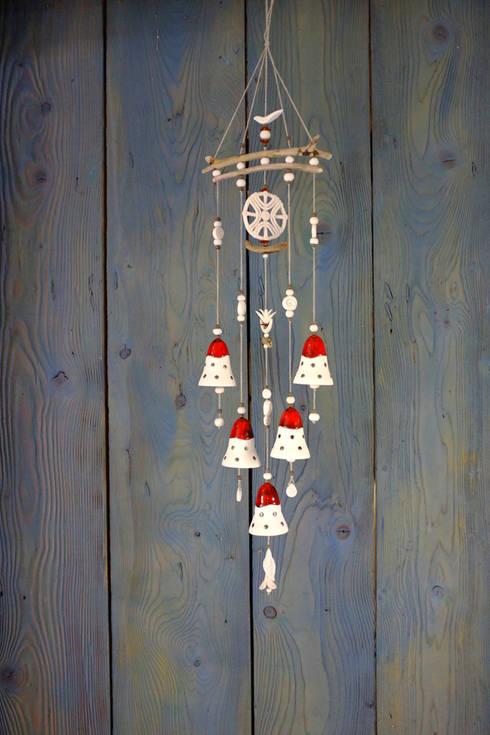 Carillons Baltes: Maison de style  par RUTA POCEVICIUTE