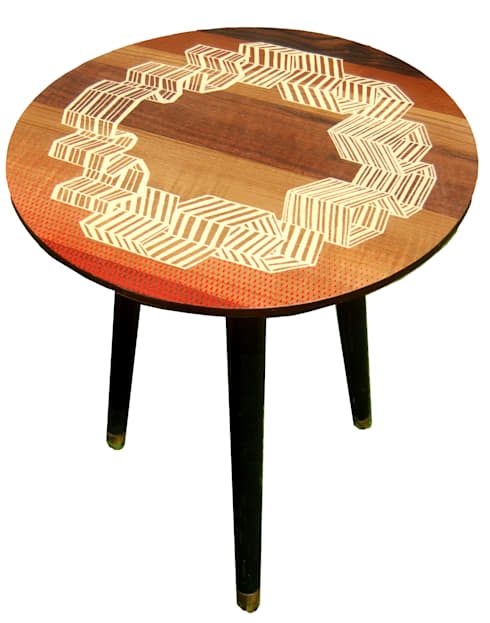 Windbreak side table: eclectic Living room by Zoe Murphy
