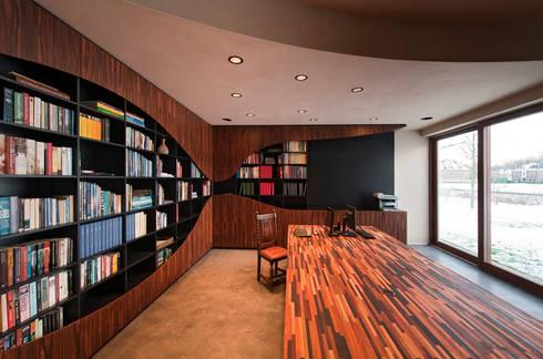 Villa Dalí: moderne Studeerkamer/kantoor door 123DV Moderne Villa's